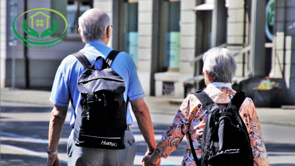 mua bảo hiểm nhân thọ để lỡ sống lâu